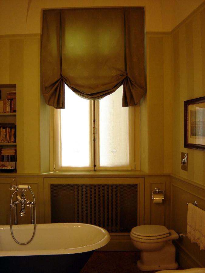 Tende a pacchetto a cesena il rustico cesena - Tende classiche per bagno ...